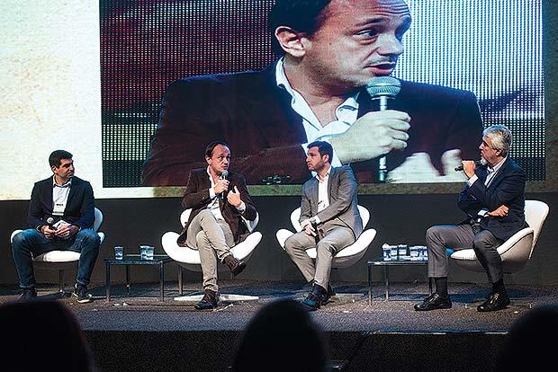 Painel Feiras e Congressos. Da esq. para dir. Fernando Ribeiro, Rodrigo Cordeiro, Damien Timperio, Paulo Octávio (PO)