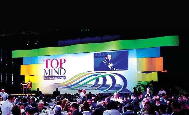 Evento Top of Mind - Projeção mapeada pela Class Produções