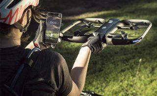 drone voa sozinho e segue pessoas